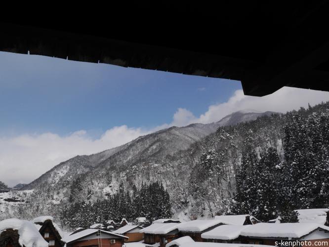 除雪作業から始まる朝。