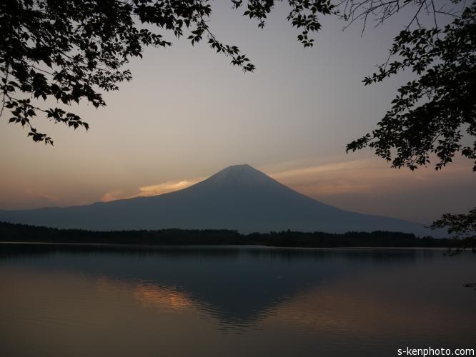 伊豆黄金崎からの夕陽