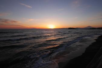 七里ヶ浜からの富士山と夕陽