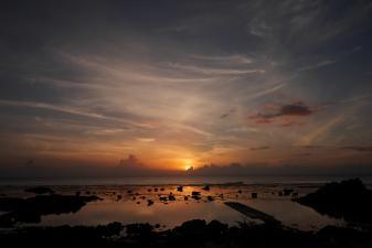 あやまる岬からの日の出
